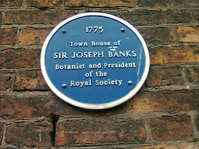 Blue Plaque on side of Sir Joseph Bank's 1775 Palace Assizes building on the High St