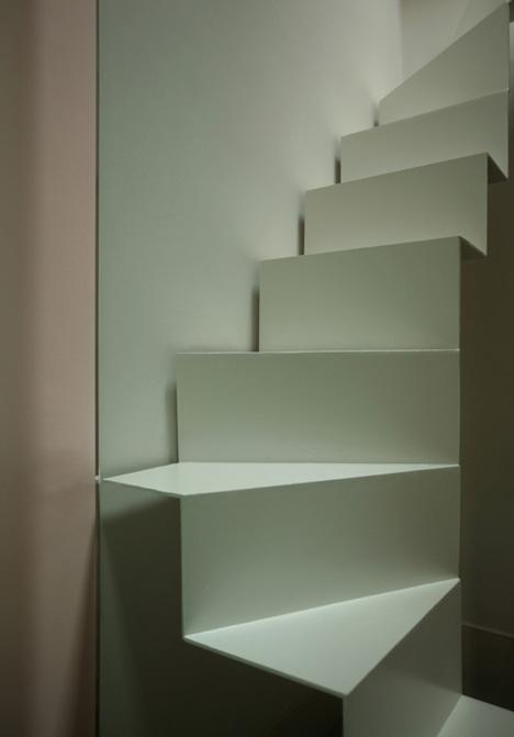 interesante diseo de escalera para espacios reducidos