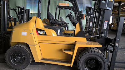 Xe nâng Caterpillar 7 tấn