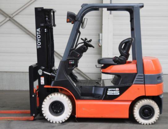 Xe nâng điện 2.5 tấn 0937782768