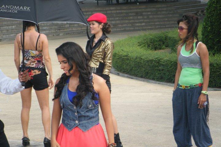 tamil-telugu-mallu-hindi-celebrity-asin-indian-desi-bollywood-pics-stills-photo-gallery-sexy-heroine-hot-actress-movie-star-aasin-ready