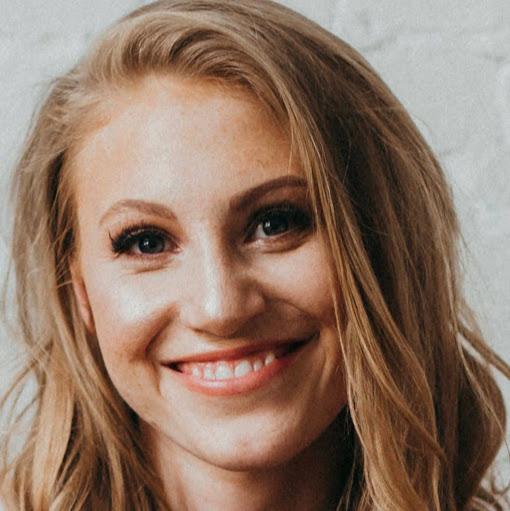 Lauren Forbes Photo 23