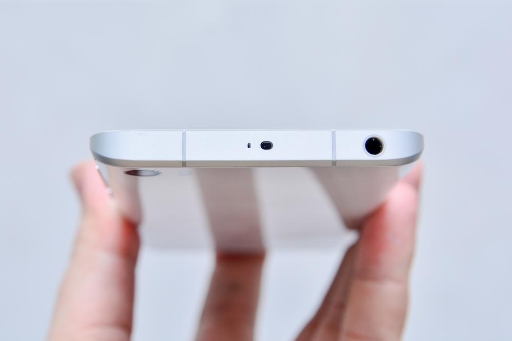 Hình ảnh khui hộp Xiaomi mi5 tại Việt Nam với giá bán trên 10 triệu đồng - 112931