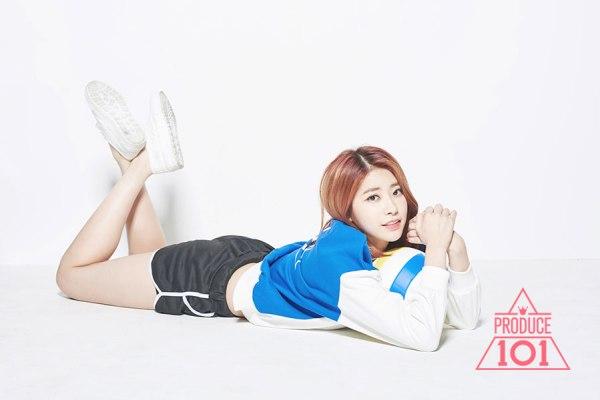 Rơi từ độ cao 2m, nữ idol vẫn trở lại sân khấu biểu diễn