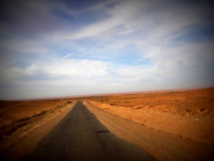 Marrocos e Mauritãnia a Queimar Pneu e Gasolina - Página 12 DSCF1436