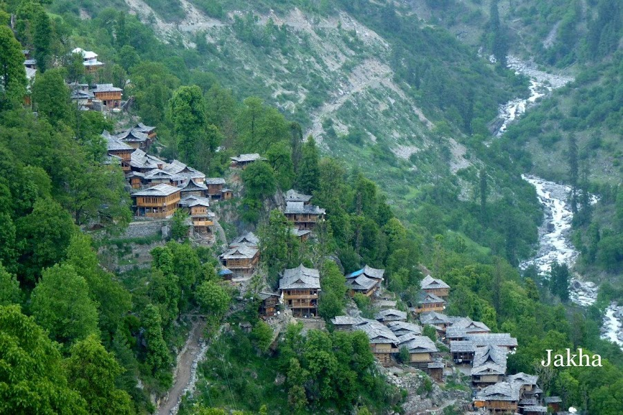 Jhaka the hanging village on the Rupin pass trek