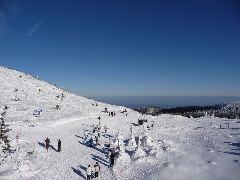 これがスノーモンスター!山形は蔵王温泉スキー場!快晴の山頂からの眺めは超レアです!