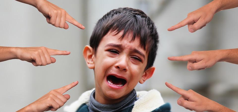 bullying-estudiante-niño-joven-golpes-golpearon-Las-Arenas-