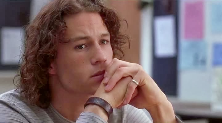 Screen Shot Of Hollywood Movie 10 Things I Hate About You (1999) In Hindi English Full Movie Free Download And Watch Online at Alldownloads4u.Com