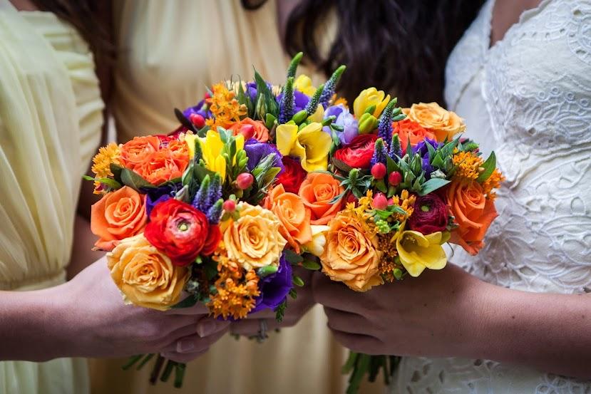 wedding-flowers-brides-mates