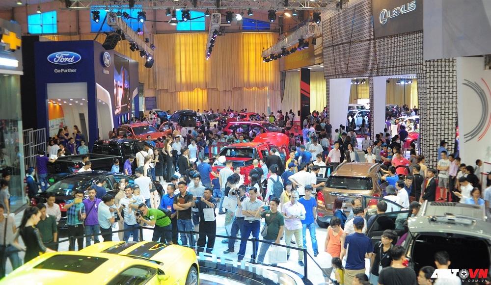 Cuộc chiến thị phần ô tô thời vắng xe nhập khẩu