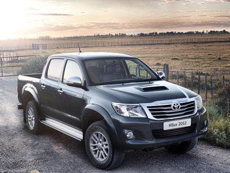 Toyota Diam-Diam Lansir New Hilux D-Cab V AT