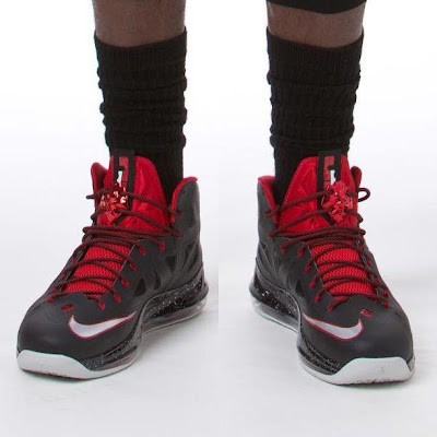 nike lebron 10 pe matte black 1 02 PE Spotlight: James Brings Down Lakers in new LBJ X Away PE