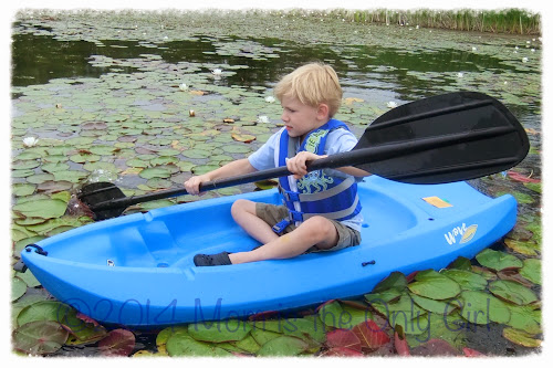 https://momistheonlygirl.com 5 year old on youth kayak