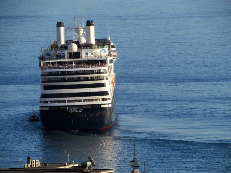 Rotterdam cruise ship left Funchal port