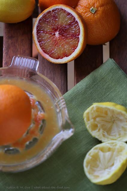 sliced citrus fruit