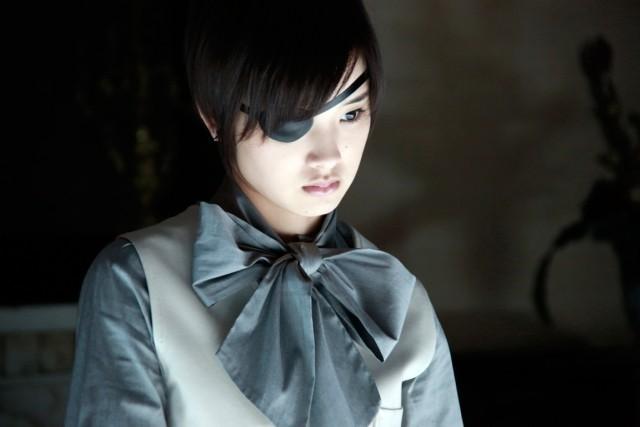 実写映画「黒執事」のセバスチャン(水嶋ヒロ)と幻蜂汐璃(剛力彩芽)の写真が公開。ゴリ押しの悪夢ふたたび・・・。
