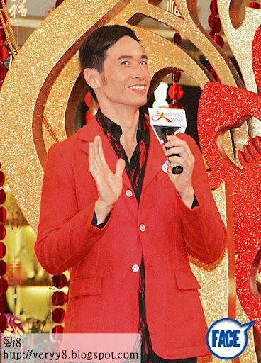 今次有老婆本啦!設計對白 <br><br>被譽為筍盤的陳豪形象好,在香港獲不少廣告客戶垂青,是 TVB少數有廣告收入的男藝人,無綫當然重金挽留。