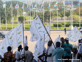 Des partisans du MSR, parti politique de la RD Congo le 15/04/2013 au palais du peuple à Kinshasa. Radio Okapi/Ph. John Bompengo