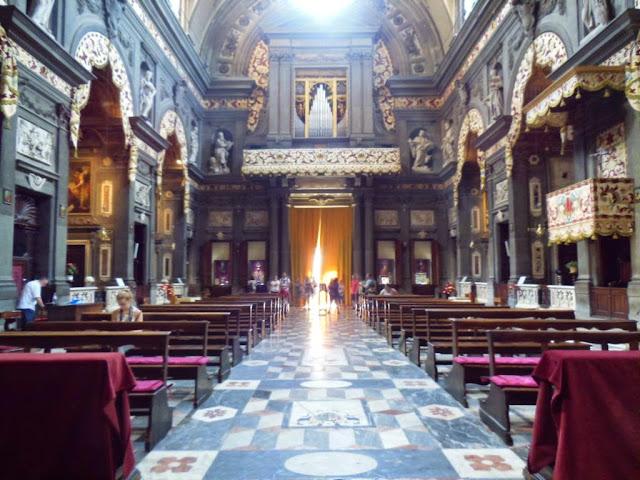 Interior iglesia de Santi Michele e Gaetano