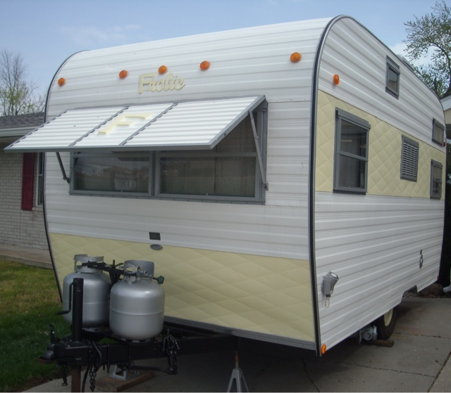 Travel Trailers With Outdoor Kitchens: Crazy Vintage Camper Bug: The 1970 Frolic Travel Trailer