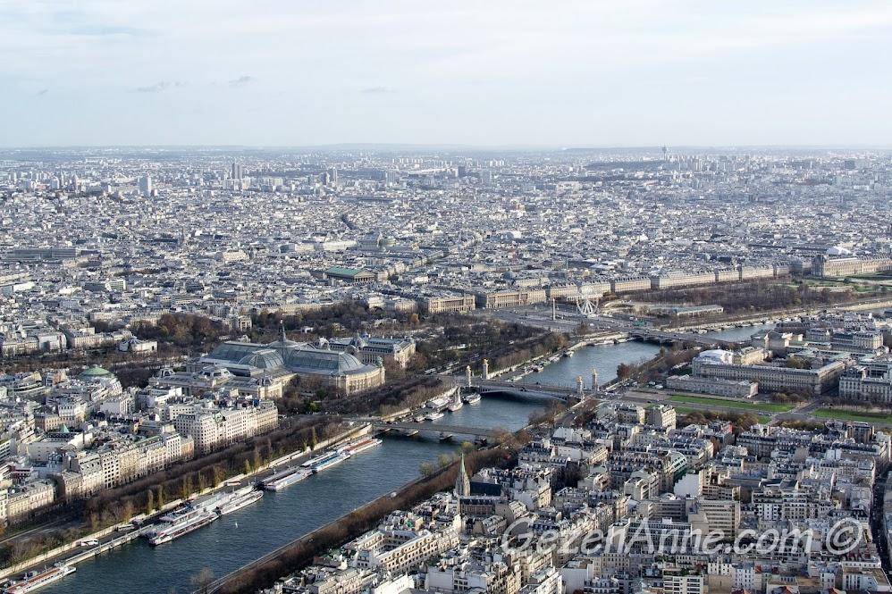Grand Palais, Tulier parkı ve Seine nehri manzarası, Paris