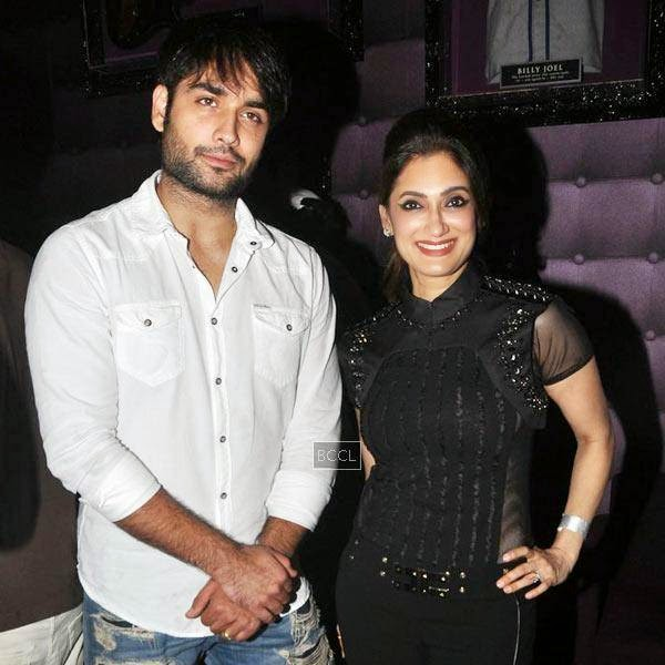 Vivian Dsena and Lucky Morani poses for a photo during Ankit Tiwari's live concert, held at Hard Rock Cafe, on July 11, 2014.(Pic: Viral Bhayani)