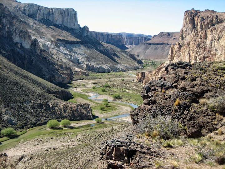 Cañadón del Río Pintura y Cueva de las Manos