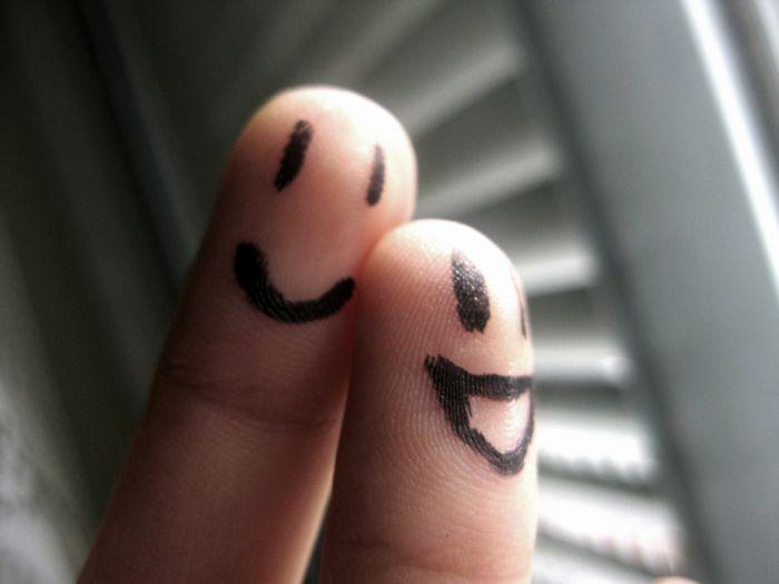 Fotos de Dedos con caras | EGRC25