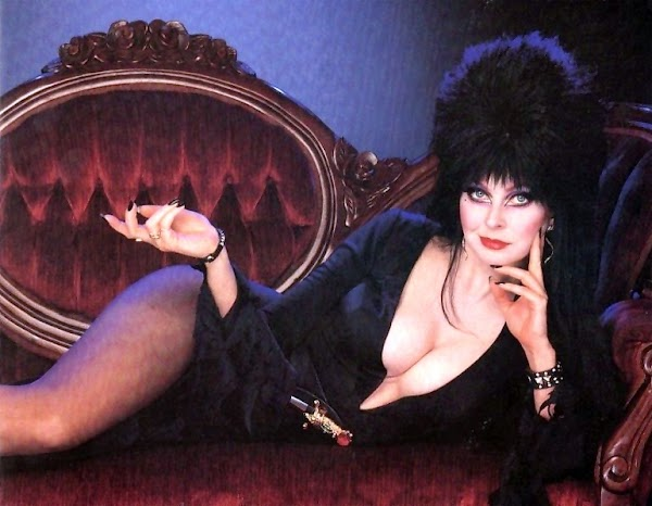 Wake Up with Elvira(pretty-1photos)1
