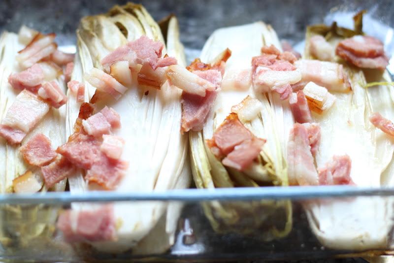 Endibias al horno con bacon