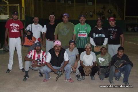 Equipo Potros del torneo nocturno de softbol