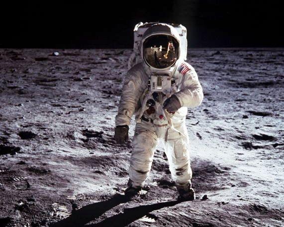 Apollo 11 Victorinox Astronaut Commemorative Knife Swiss
