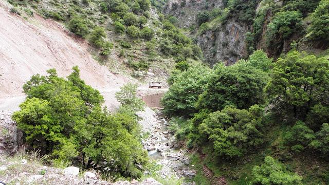 Στο ξεκίνημα της διαδρομής από Άγραφα προς τον αυχένα της Νιάλας