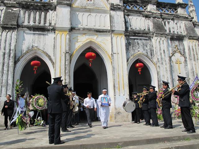 Thánh lễ an táng Bà Cụ Maria, Thân Mẫu Cha FX. Nguyễn Chí Cần