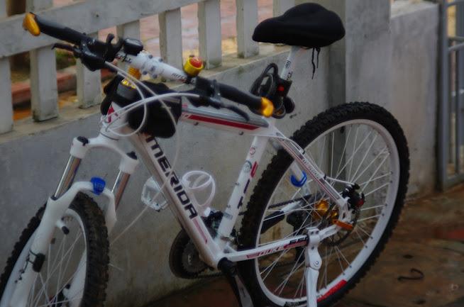 SMC Pentax-M 100mm F2.8 試拍單車