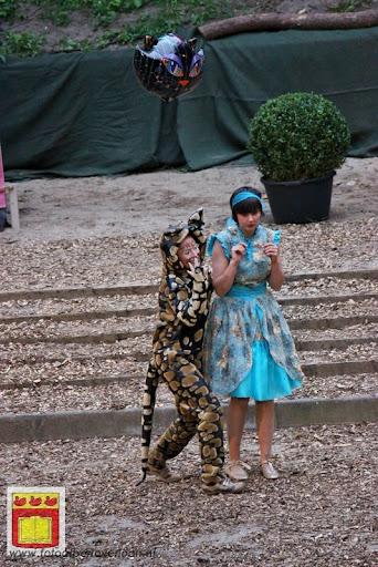 Alice in Wonderland, door Het Overloons Toneel 02-06-2012 (45).JPG