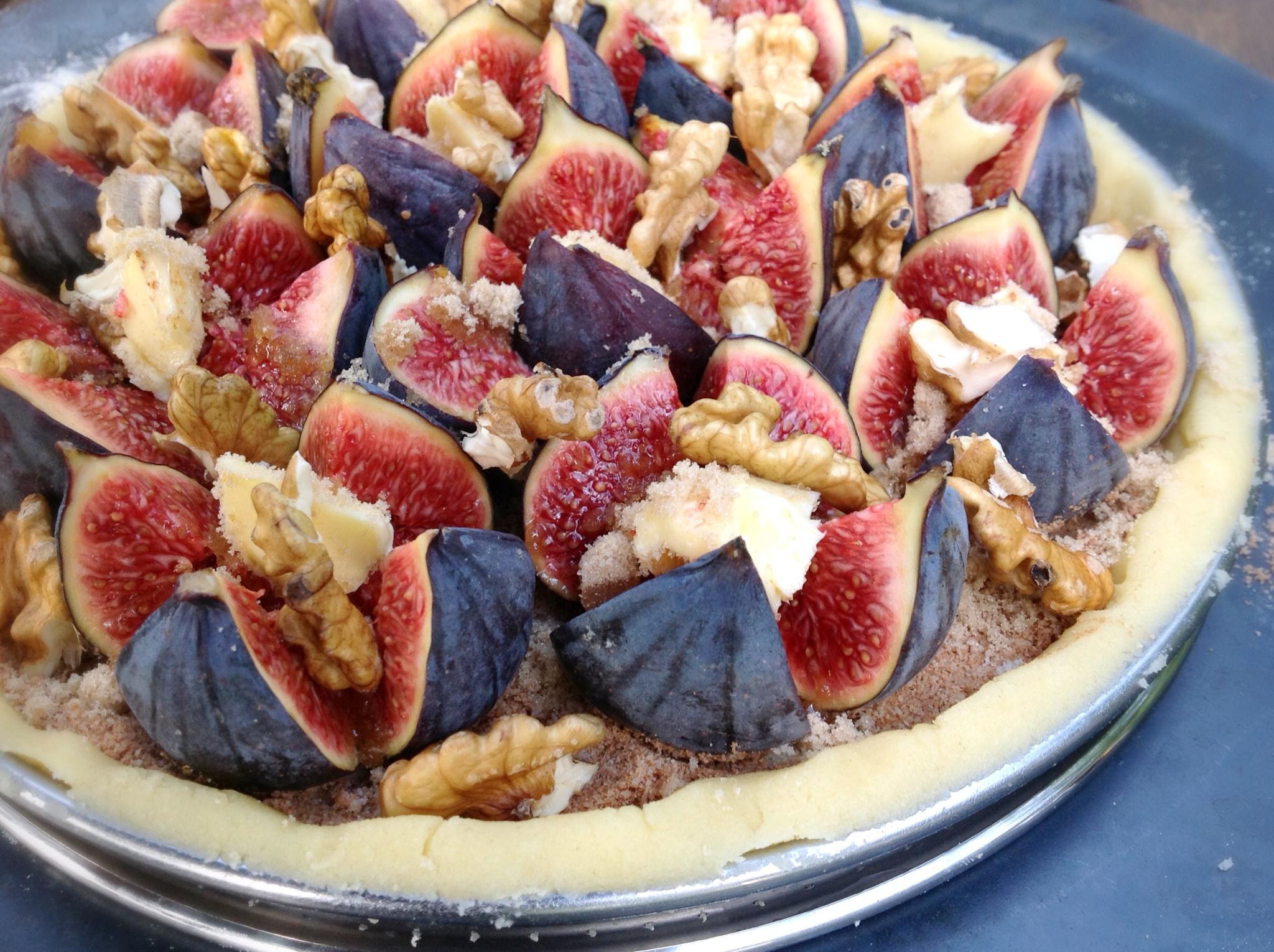 tarte aux figues et noix fraiches tarte en cuisine. Black Bedroom Furniture Sets. Home Design Ideas