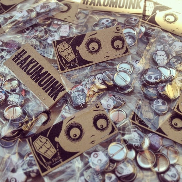 scene buttons, emo buttons, pin pack, button pack, emo button pack, emo pin pack, skull pins, skull buttons, akumuink accessories