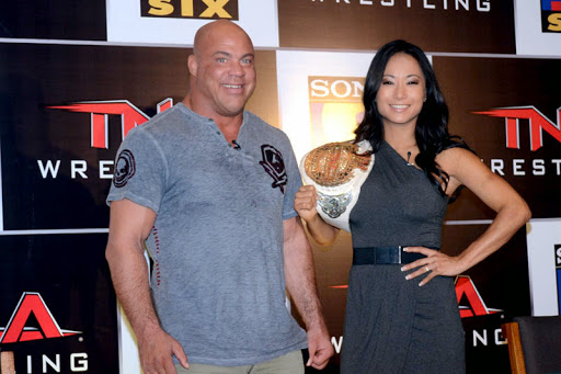 Kurt Angle with Gail Kim.JPG