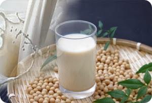 Полезно ли соевое молоко