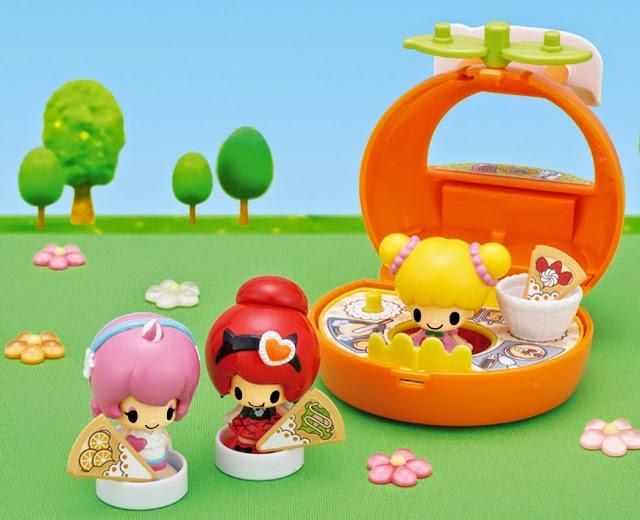 Xe bán kem hình quả cam là một địa điểm ưa thích của các em nhỏ