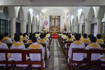 Hình ảnh một ngày trong tuần tĩnh tâm của linh mục đoàn Phát Diệm