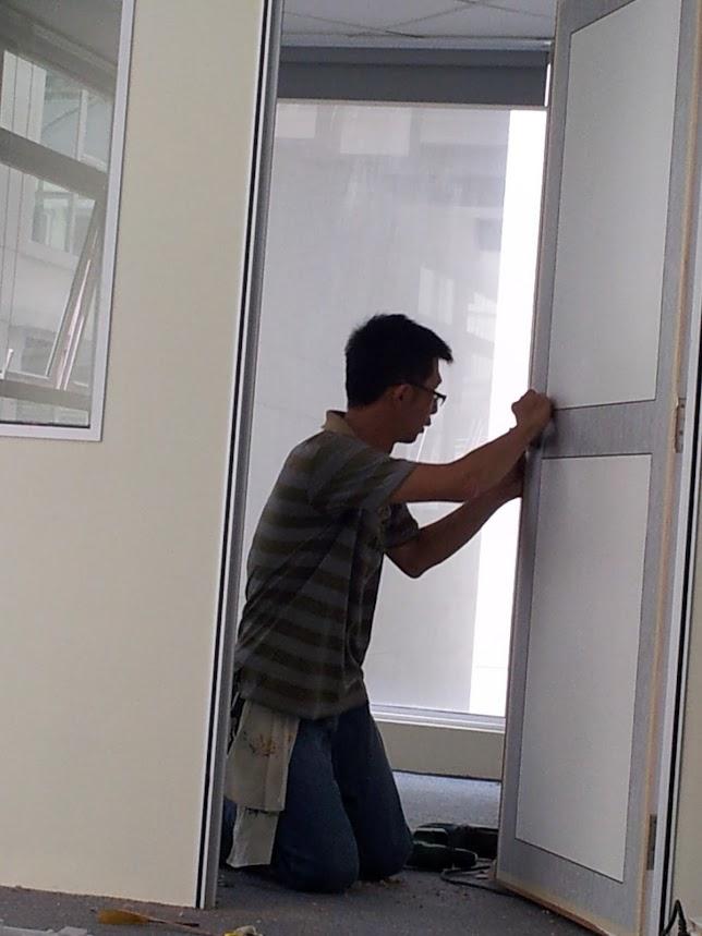 installing wooden door