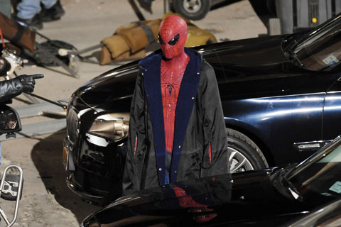 spiderman traje andrew garfield mini - Andrew Garfield vestido de Spiderman