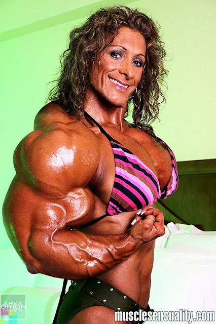 Jeannie Paprone muscle morph