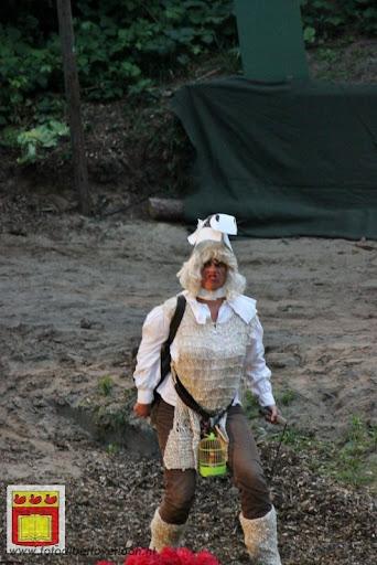 Alice in Wonderland, door Het Overloons Toneel 02-06-2012 (60).JPG