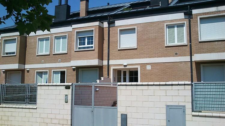 proyecto edificio viviendas acceso