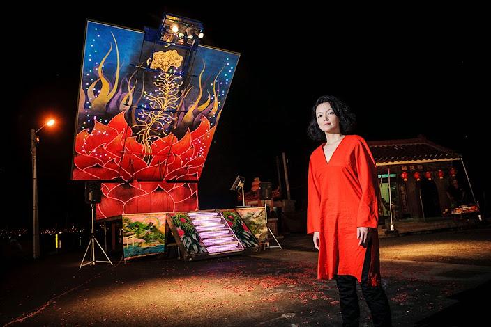 やなぎみわ《『日輪の翼』上演のための移動舞台車》2014 写真:沈昭良