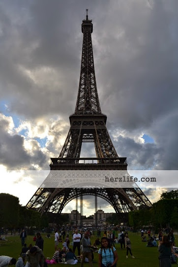 Travelling to Paris and Visiting Eiffel Tower
